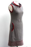 Steingraues Kleid rechts