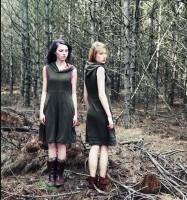 Wald, 2 Mädels